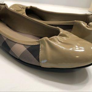 Burberry Ballerina Flats size 39